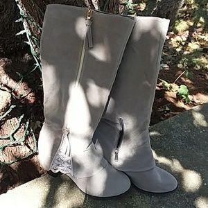 No name tall boot